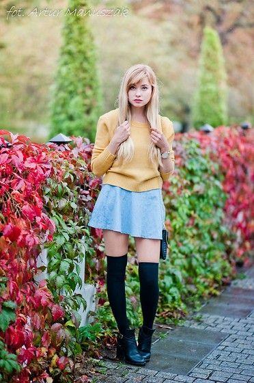 Juliette Jakubowska -  - Mustard sweater
