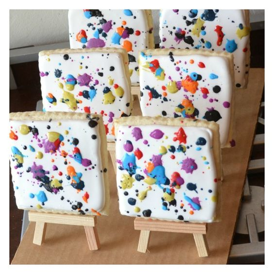 Paint splatter cookies Would have been great for Parker's painting birthday party! Love the mini easels ♥