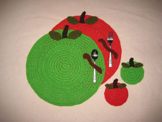 Crochet PATTERN - Apple Placemat and Coaster Set; Table Setting; Apple Place mat