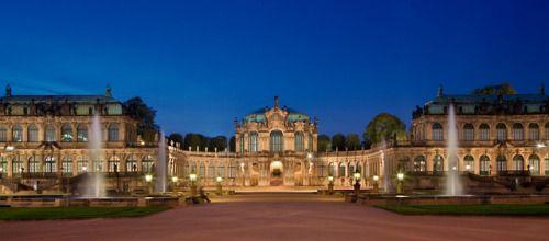 Zwinger Palace Dresden Germany Designed By Court Architect Matthaus Daniel Poppelmann Photography Peter Leyendecker Dresden Castle Architecture
