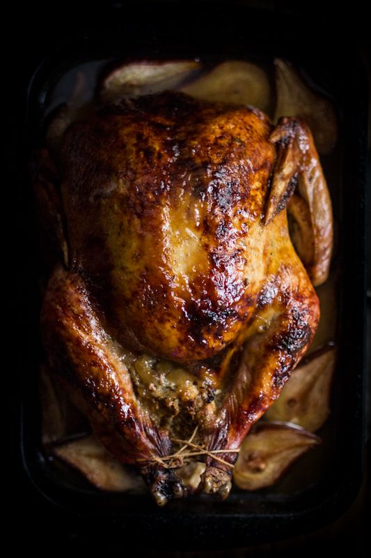 Roast Turkey with Pears & Sage. I could carve that turkey right now; the luscious image is sending my tastebuds into a tailspin. YUM.: