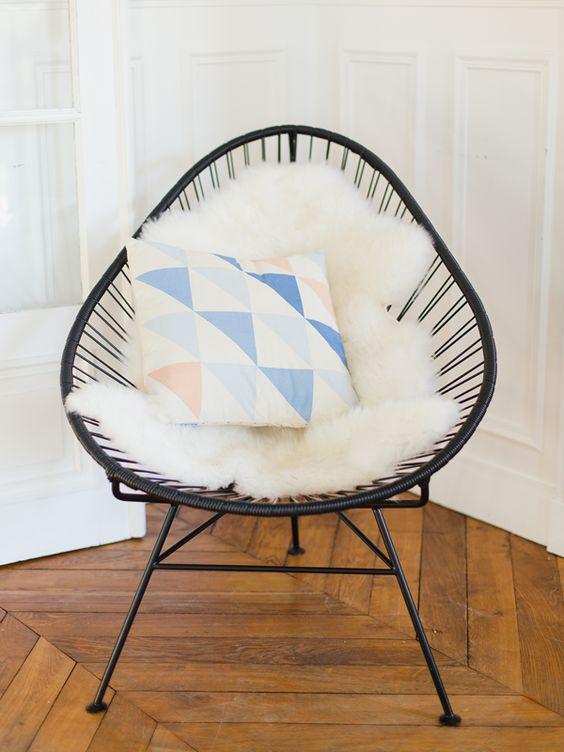 coussin formes g om triques my little box et chaise en fonte interior pinterest coins. Black Bedroom Furniture Sets. Home Design Ideas