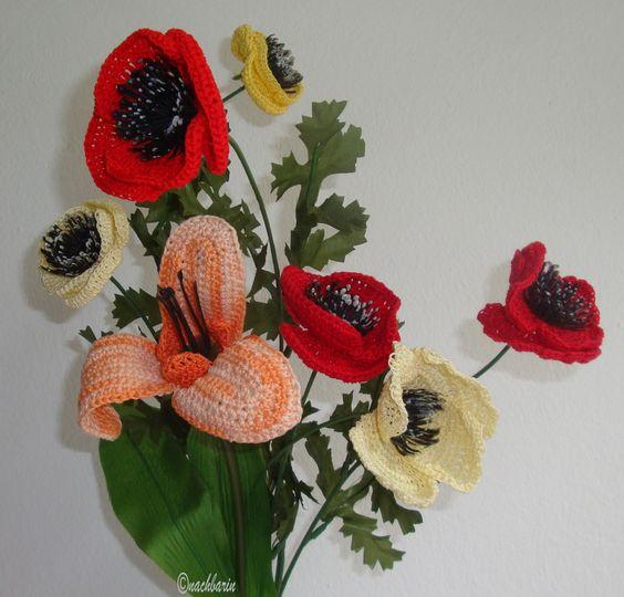 ein Blumenstrauß gehäkelt