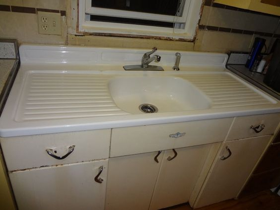 Kitchen sinks 1950s and sinks on pinterest for 1950 s kitchen cabinets