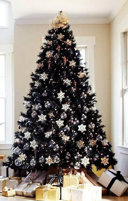 Beautiful classic elegant christmas tree decoration #christmasornaments #christmasdecorations #christmastree