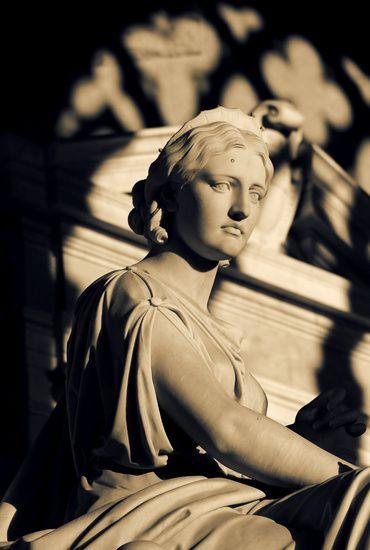 Nieuw in mijn Werk aan de Muur shop: Romeins beeld van een vrouw