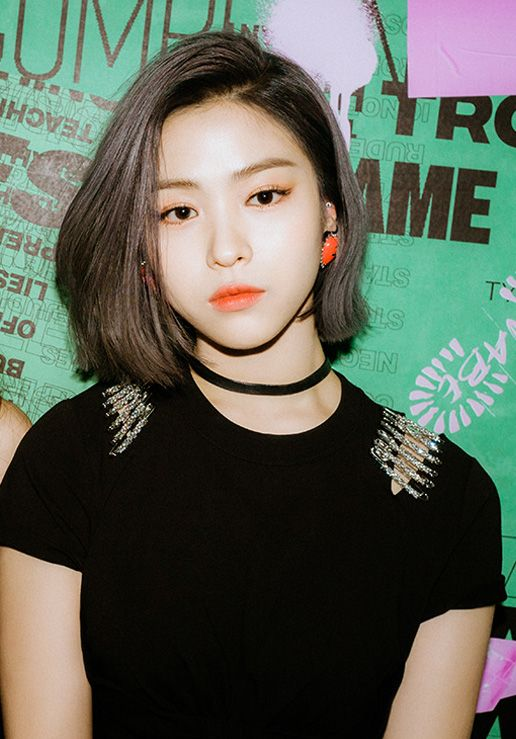 Pin Oleh Be Real Di Shin Ryujin Itzy Rambut Pendek Korea Gaya Rambut Pendek Rambut Pendek