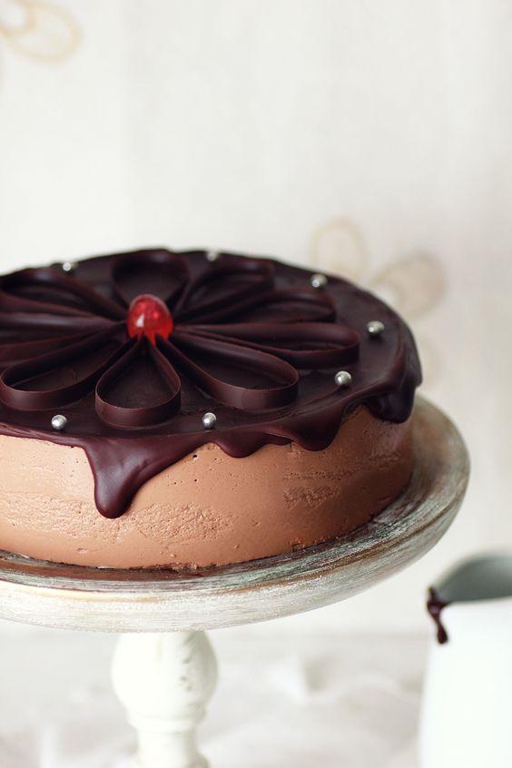 Kanela y Limón: Tarta de yogur y chocolate. Muy bueno el tutorial con cinta de acetato.