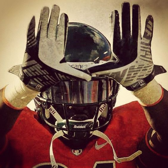 The U  #ChampionBlood #BeGr8er    My Life Wouldn't Be The Same Without Football...
