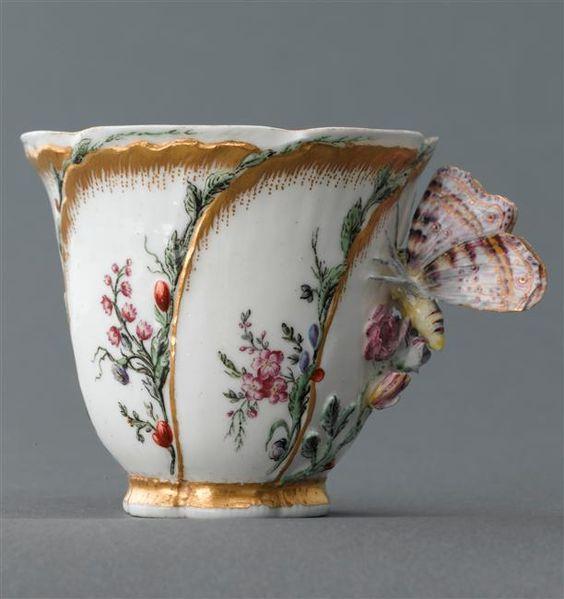 Cup with butterfly handle, Tea Cups  .... ♥♥ ....  1750, manufacture de Vincennes (1745-1756), Paris, musée du Louvre