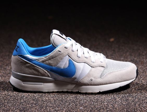 Nike Air Archive 83: Light Grey/Photo Blue