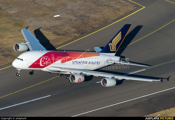 Singapore Airlines Airbus A380 9V-SKI