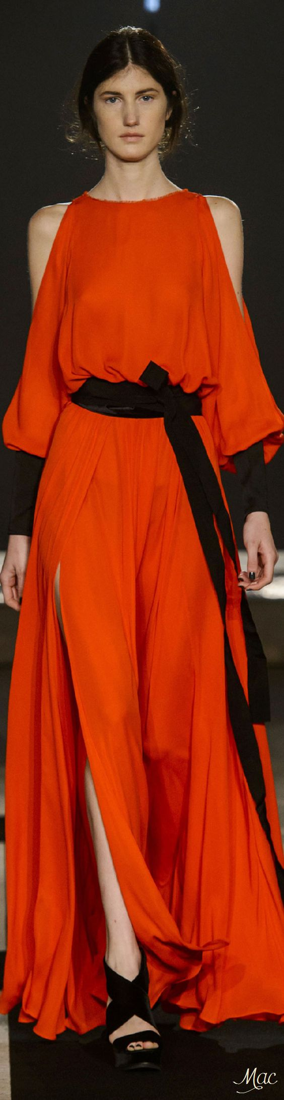 Fall 2016 Ready-to-Wear Amanda Wakeley