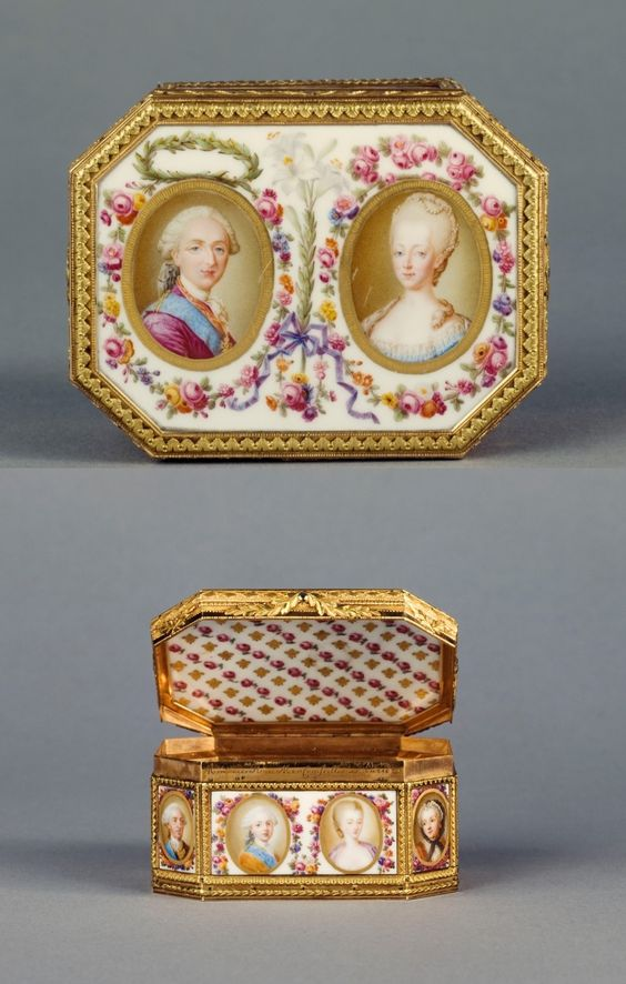 Snuffbox decorated with 16 portraits of the royal family - Louis XVI, Marie Antoinette, and their relations, Paul-Nicolas Ménière (assets 1775-1826), signed on the throat Mennière Street MomConseille [Mauconseil street] in Paris 1775, gold and soft porcelain, H. 4.10 cm L. 8.10 cm P. 6.20 cm The box was created for Louis XVI's crowning.