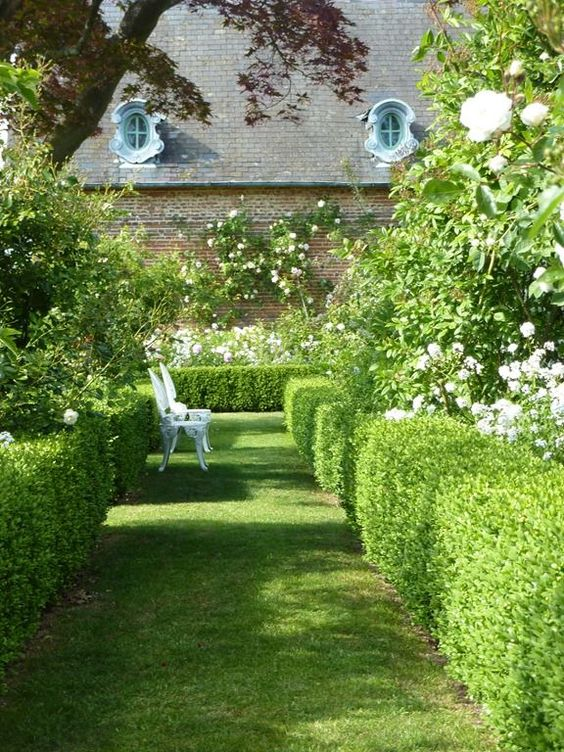 Jardins normandie and bancs on pinterest for Jardin in english