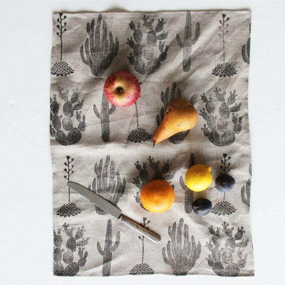 Amelie-Mancini-Cactus-dish-towel-Remodelista-2.jpg (733×733)