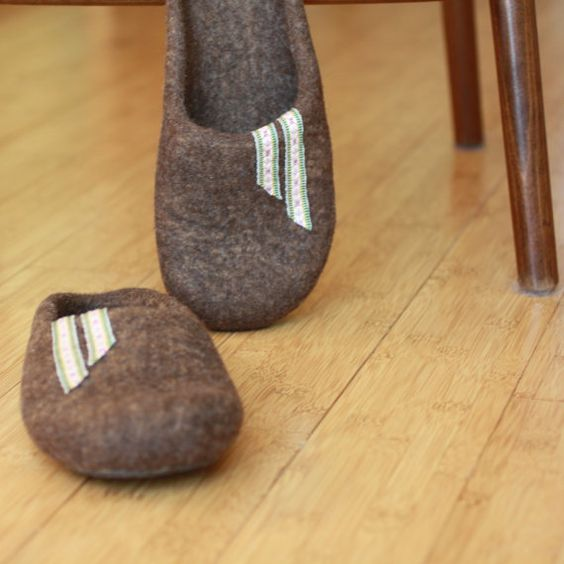 barefoot felt slippers  | Felted wool slippers for women or men - brown house shoes - fathers ...