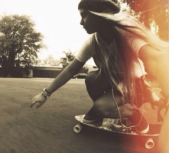 女性のスケートボード