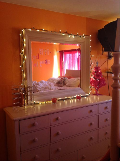 lights around mirror above dresser bedroom pinterest 14354 | 6ed6eeade29ab52ff944a945c35f043e