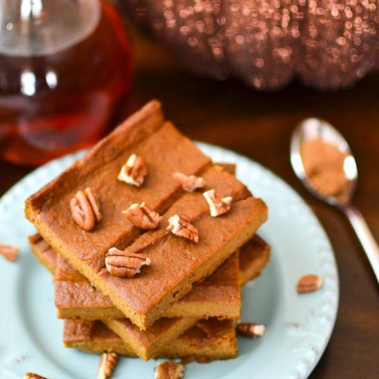 21 Day Fix approved pumpkin bars are everything you want from a pumpkin pie (creamy deliciousness) without the calories!