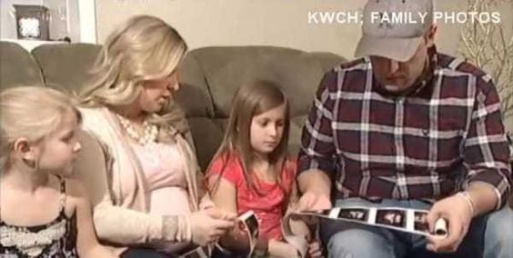 Mom Is Pregnant With Twins. When Doctors Notice This In The Sonogram, She's STUNNED.