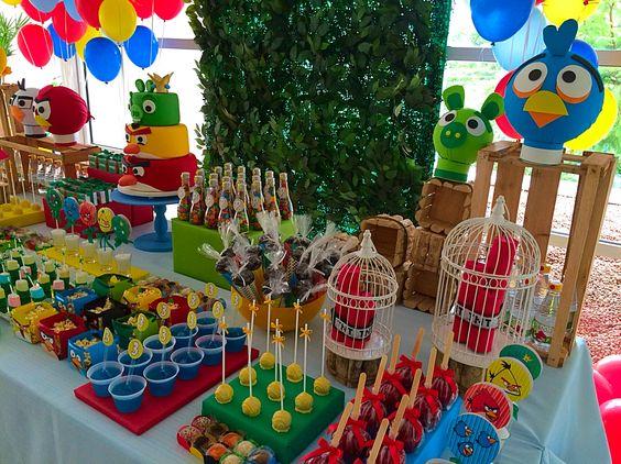 Detalhes da mesa decorada por Lilian Ruas, da Tribo da Festa www.tribodafesta.com.br    #festainfantil #mesadecorada #angrybirds
