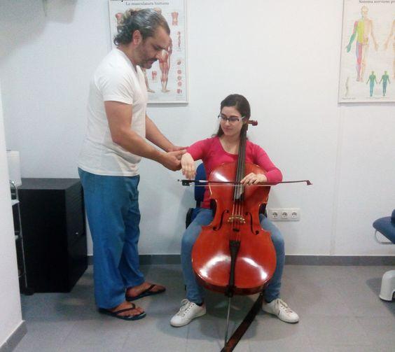 salud del musico, fisioterapia, tecnica del arco en cello y relajacion http://promocionmusical.es/salud-musica/:
