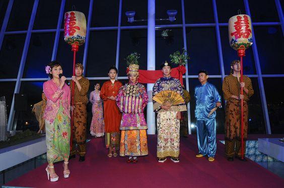 Do sự giao hòa văn hóa nên người Peranakan nói được cả tiếng Malaysia