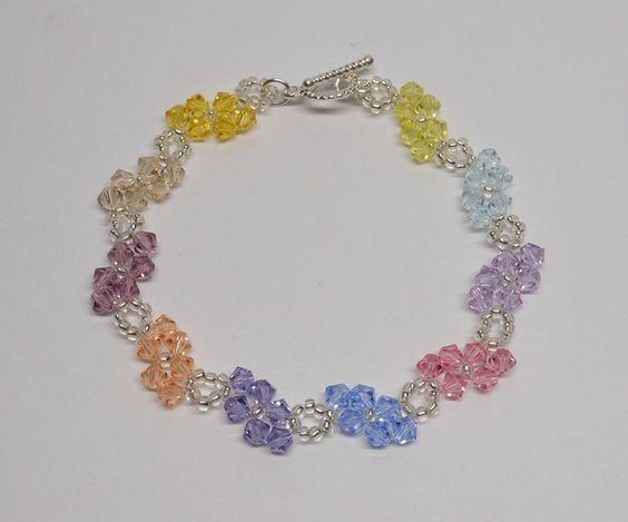 Kristall Armband Swarovski Gemacht mit Kristall und japanischen Rocailles.