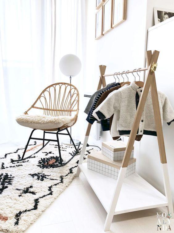 Fauteuil A Bascule En Rotin Ideal Dans Une Chambre D Enfant Style