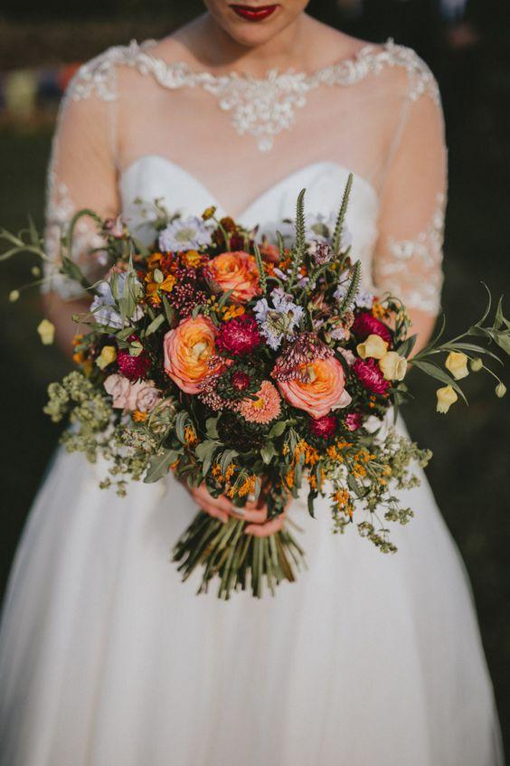 Autumn wedding color palette in dark blue & autumn colors #wedding Autumnal wedding bouquet #weddingbouquet #weddingbouquets #bridalbouquet #bridalbouquets #autumnweddingbouquet #autumnbridalbouquet