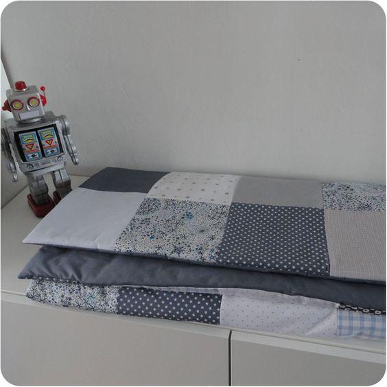 joli plaid l ger que vous pourrez emporter partout avec votre b b tr s jolie id e cadeau de. Black Bedroom Furniture Sets. Home Design Ideas