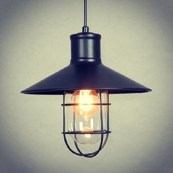 Upcoming new stock: Pendant Lamp Vintage Edison Bulb 40w (Fisherman Lantern) is a great design idea of vintage theme for home decoration. Let's contact us to arrange for a shop visit ! Your home, we are proud to serve !