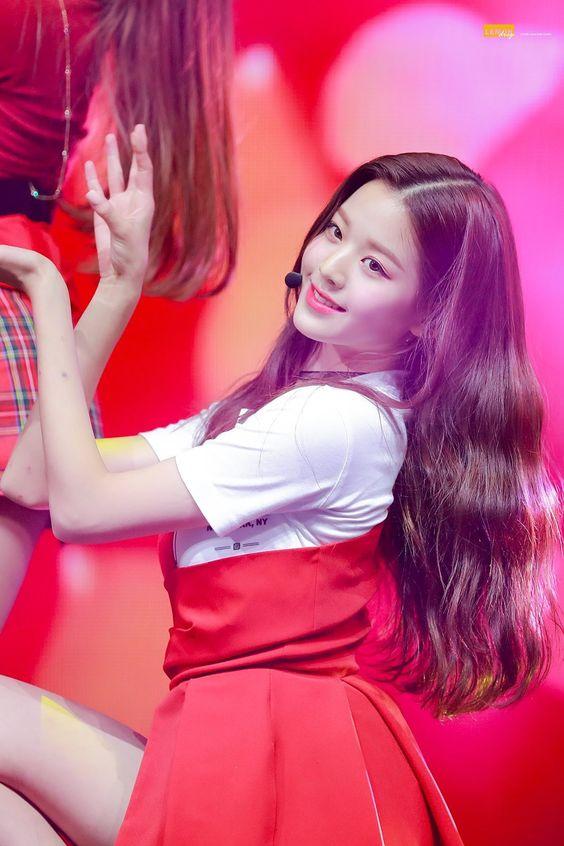 181029 IZ*ONE(아이즈원)'s First mini album 'COLOR*IZ'(컬러라이즈) SHOW CON - Olympic Park Olympic Hall, Songpa  #izone #아이즈원 #wonyoung #원영