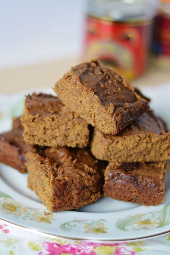 This delicious gingerbread is #paleo #vegan and #glutenfree!