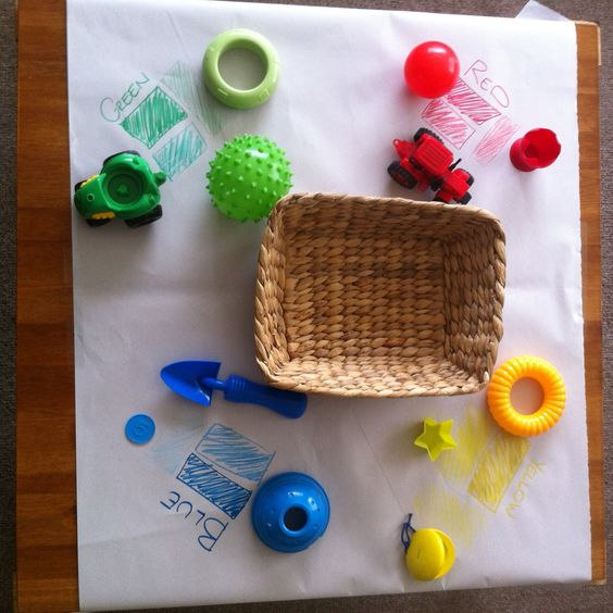 Teaching toddlers colour activities. Under 2 year old