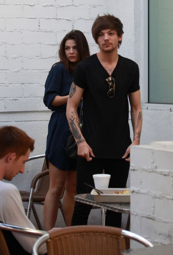 | LOUIS TOMLINSON OUT IN BEVERLEY HILLS WITH NEW GIRLFRIEND DANIELLE CAMPBELL | http://www.boybands.co.uk