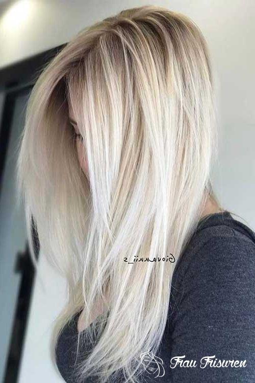 Total Attraktive Blonde Lange Frisuren In 2020 Frisuren Frisur