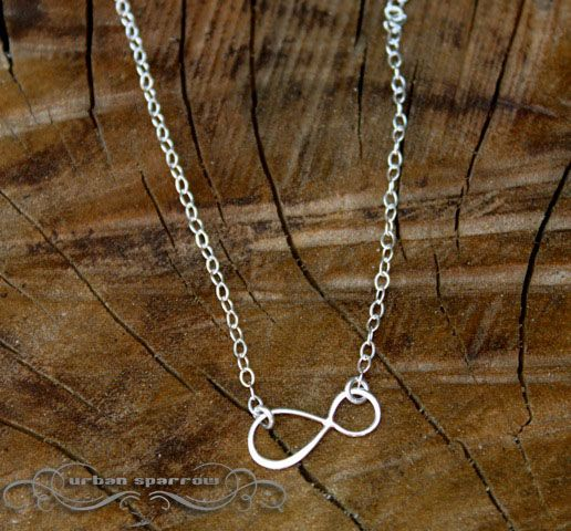 Infinity Loop Necklace. Want!