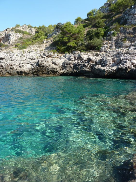 10 jours dans les Pouilles-Salento(22 août-1er sept. 2014) *Où et comment se loger?Pour 10 jours, choisir 2 points de chute. Nous avons choisi Ostuni puis Lecce, mais il est possible de faire un…