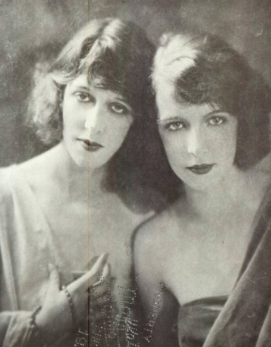 Marion Morehouse (left) and her sister Lillian. Image via Pinterest.