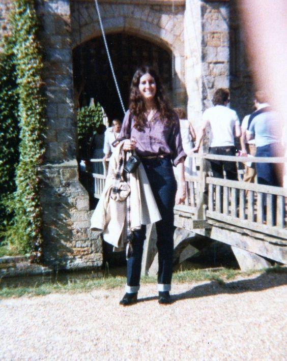 File:Jeanne outside Hever Castle 1979.jpg