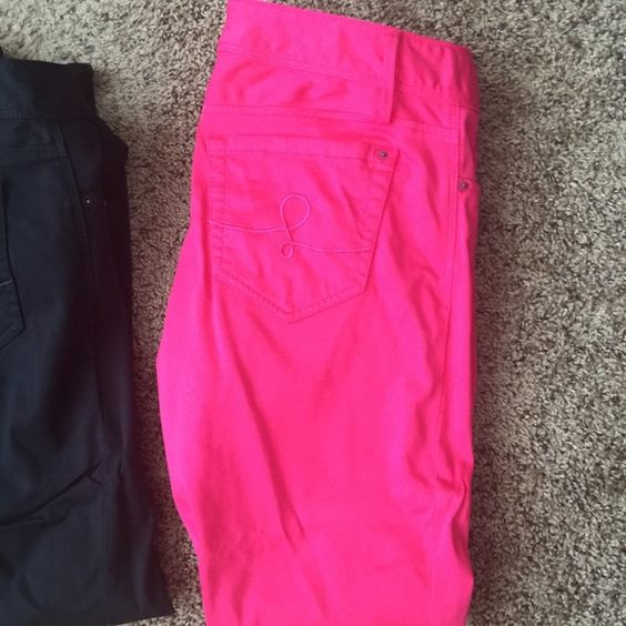 Worth skinny jeans 14 Black is nwot pink were wore once or twice both perfect size 14 $45 for black $95 for pink ️️ or $130 for both Lilly Pulitzer Pants