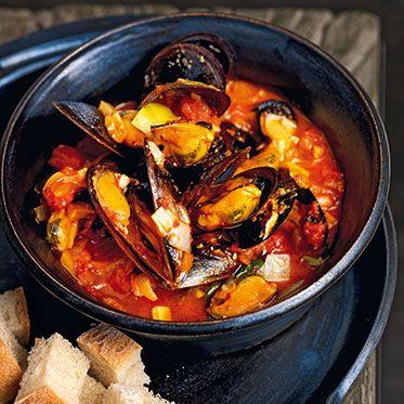 Miesmuscheln mit Tomatensauce Rezept   Küchengötter