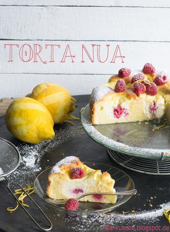 Torta Nua - Ein ganz fantastischer italienischer Zitronenkuchen mit cremigen Inseln aus Ricotta und Himbeeren