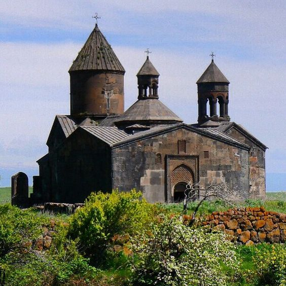 One of the many #churches in the #Armenian #countryside Photo: Martin Klimenta #CaucasusTravelwithMIR #southcaucasus #southcaucasustourism #caucasustravel #armenia #armeniatourism #travelarmenia #architecture #history #bluesky #wanderlust #worlderlust #beautifuldestinations #travel #tourism #seetheworld #adventuretravel #summer #summertravel #instapassport #travelgram