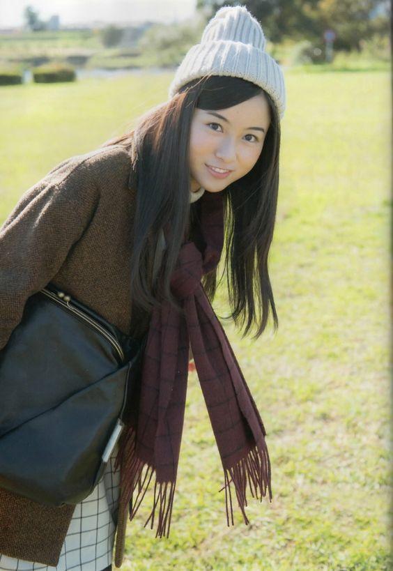 ニット帽をかぶる佐々木琴子