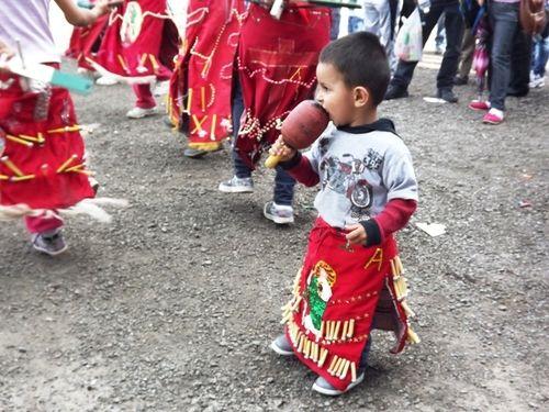 Matlachines en la fiesta patronal del Templo de San Judas Tadeo (Meoqui, Chihuahua)