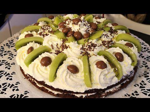 كيكة الشوكولا محشية بالكريمة اللذيذة مع طريقة تزيين القالب بشكل بسيط وسهل تابعوني Youtube Food Desserts Cake