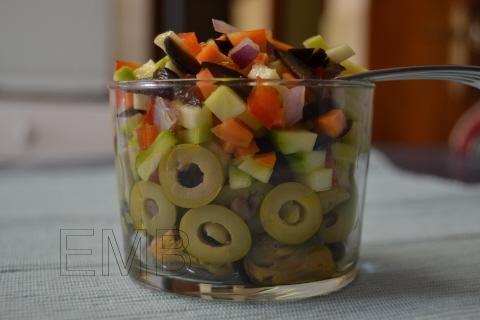 Ensalada de calabacín y mejillones en vaso. Zucchini salad and mussels  http://enmilbatallas.com/2011/07/14/ensalada-de-calabacin-y-mejillones-en-vaso/